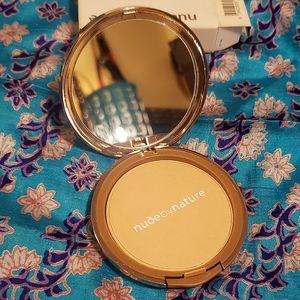 3/$50- NUDE BY NATURE - Mattifying Pressed Powder